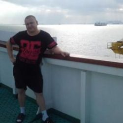 Парень, ищу девушку для секса-встреч в Москве, не коммерция
