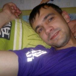 Парень ищет девушку/женщину в Москве, которая поможет стать мужчиной. Хочу, что бы научила всему.