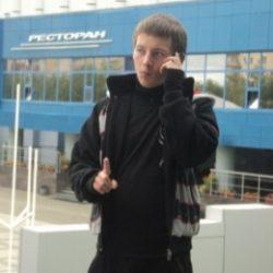 Молодой парень ищет готичную барышню в Москве, желающую подчиняться